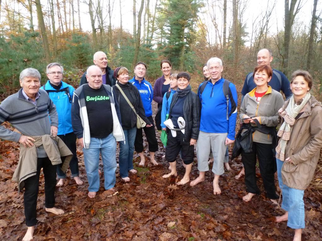 http://www.barfuss-durch-die-haard.de/Bilder/Gruppenbild-23-11-14-klein.jpg